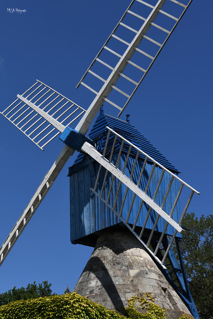 Le Moulin Bleu